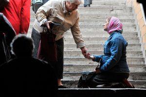 Путин поставил задачу вдвое снизить число бедных в стране до 2030-го года