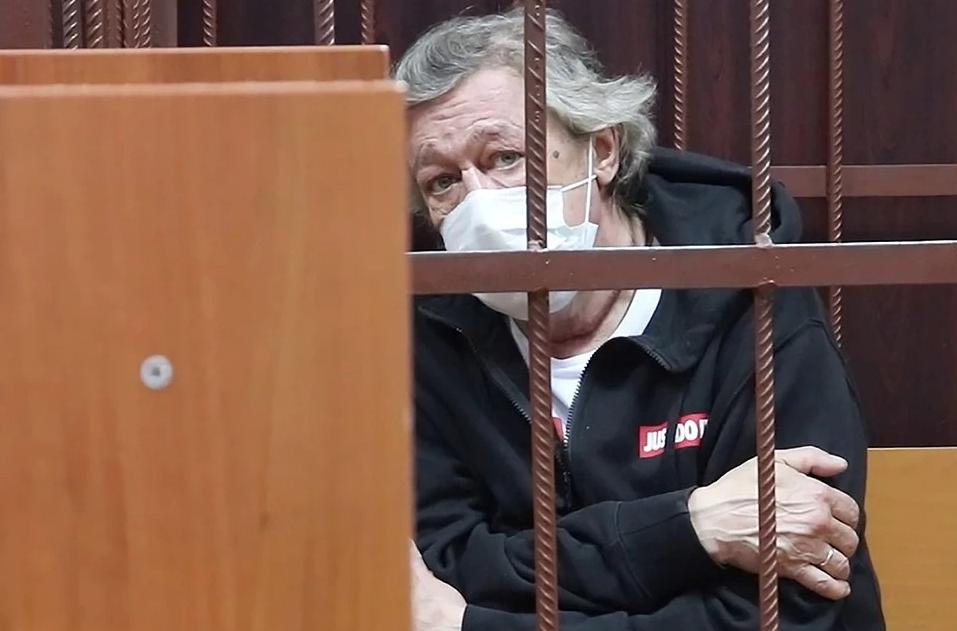 Ефремов не может признать вину, так как ничего не помнит