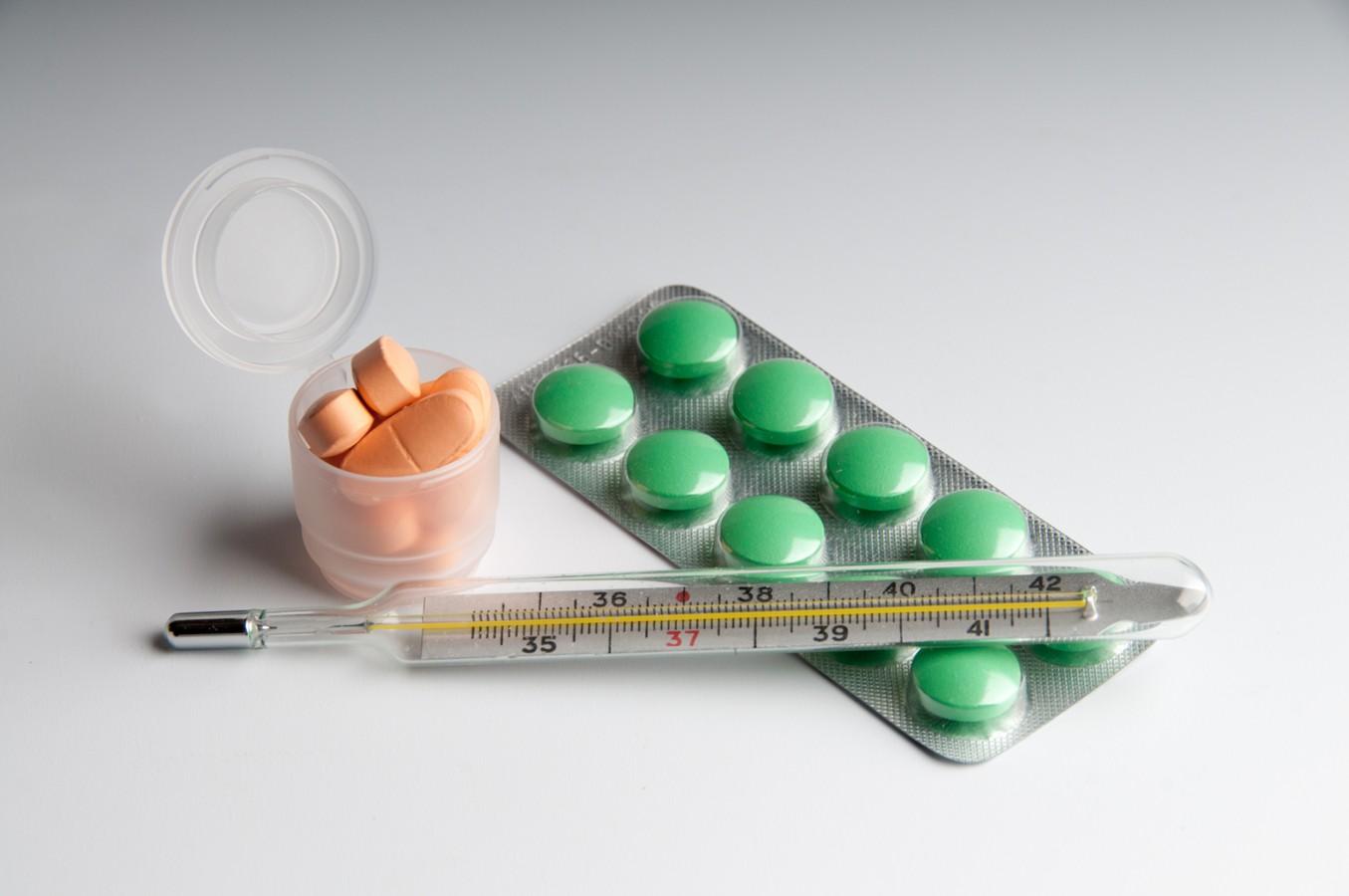Вступили в силу новые правила лечения коронавируса на дому