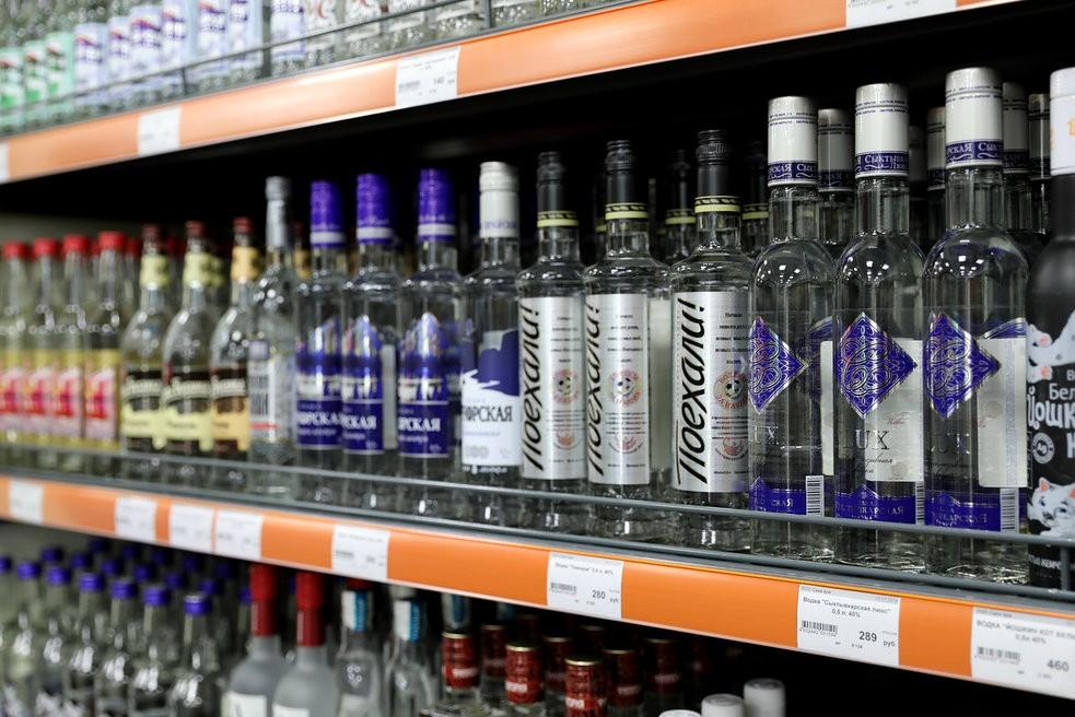 С Нового года в России вырастут цены на водку