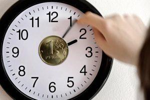 В России предложили ввести почасовую оплату труда