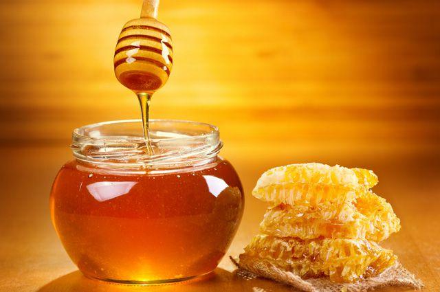 Диетолог выяснил, для кого может быть опасен мёд