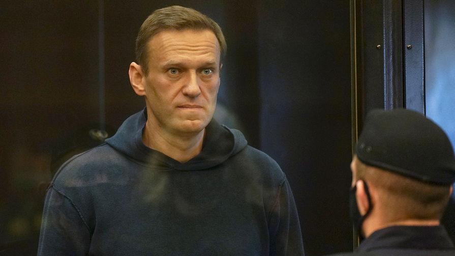 Оппозиционер Алексей Навальный отправлен в колонию на 3,5 года