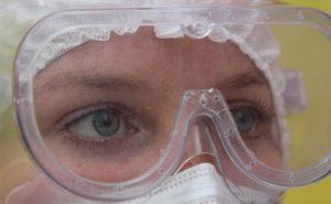 Три причины, почему некоторые люди не заболевают коронавирусом