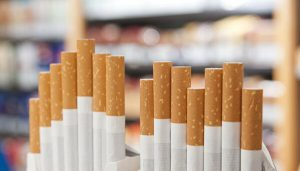 С 1 апреля цена пачки сигарет не может быть меньше 108 рублей