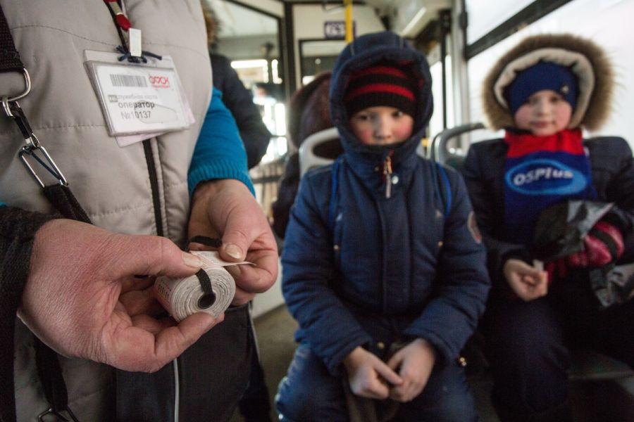 Путин запретил высадку детей-безбилетников из транспорта